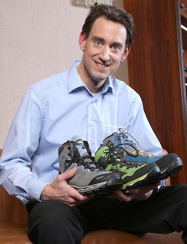 Unser Bergschuhe Experte Kajetan Murswieck berät Sie beim Kauf Ihrer Outdoor Schuhe